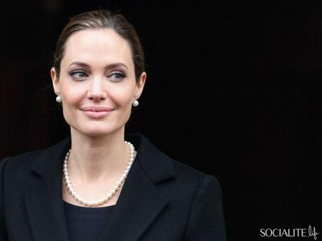Angelina Jolie In London For G8 Meeting, Angelina Jolie jewelry, angelina jolie, pearls