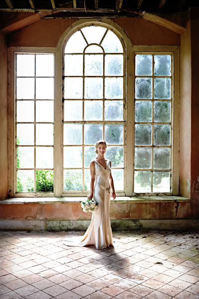 English wedding blog real wedding photography from the UK (18)