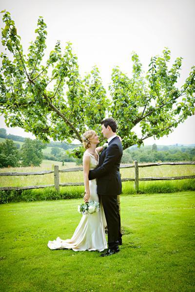 English wedding blog real wedding photography from the UK (21)