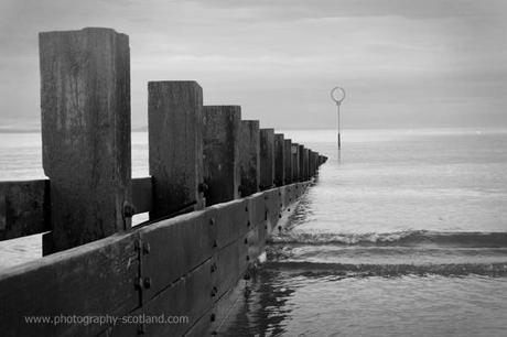 Photo - Portobello beach, Edinburgh, Scotland in black and white