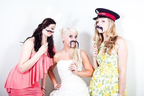 funny wedding guest photos (10)