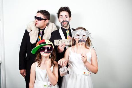 funny wedding guest photos (5)