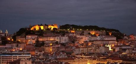 Lisbon at night - learn portuguese language