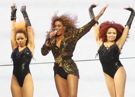 Beyonce is pregnant news steals the shows at the MTV VMA bash