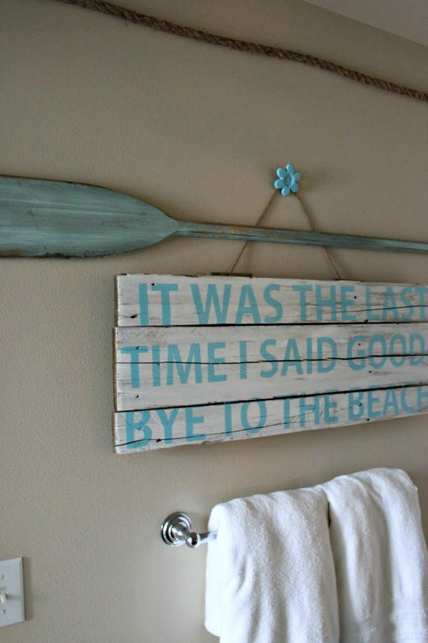 DIY Beach Bathroom Wall Art 600 x 900