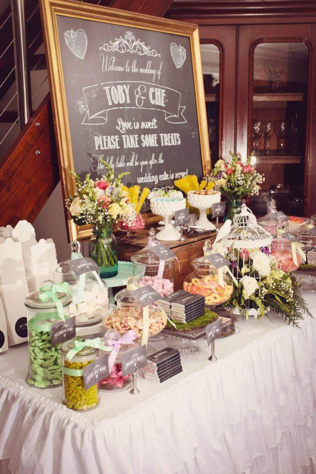 A vintage garden wedding theme by sensationally sweet for Food bar garden