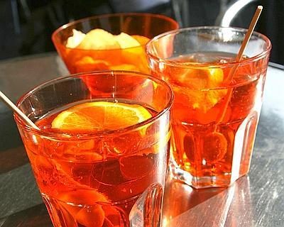 Have you ever try the italian aperitif called the spritz for Classic aperitif