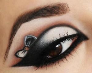 547529 401194673298877 2112837566 n 300x238 Make Your Eye Shadow  POP