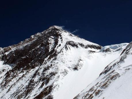 Everest 2013: Lines Fixed To The South Col, High Winds On The North Side