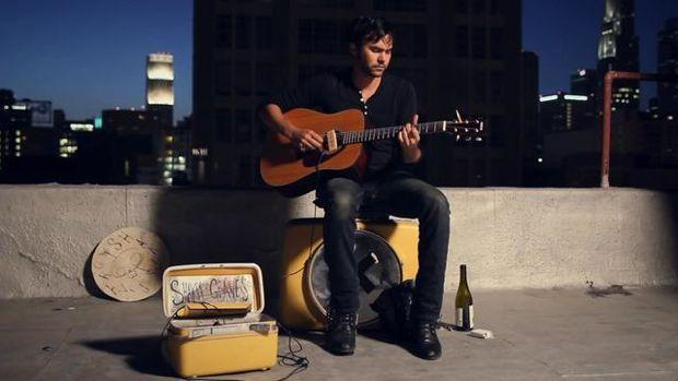 shakey SHAKEY GRAVES IS COMING TO TOWN [VIDEO]