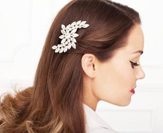 sidepinSummer Style: Keeping It Cool with Hair Accessories