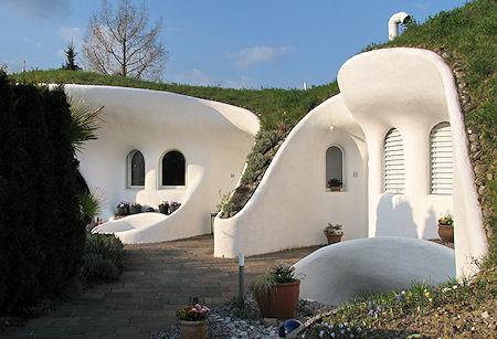 The coolest earth houses around the world paperblog for Architecture organique