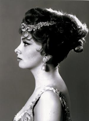 gina lollobrigida, jewelry auction, sotheby's, sothebys magnificent jewels