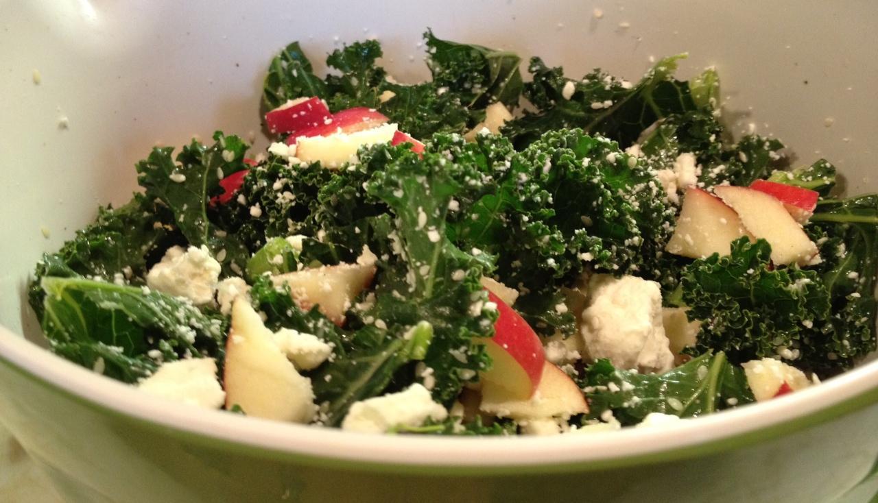 Simple Spicy Sesame Kale Salad - Paperblog