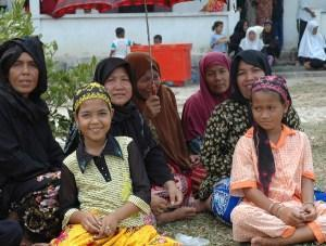 Chams, Muslims from Cambodia. Note strong Malay appearance.