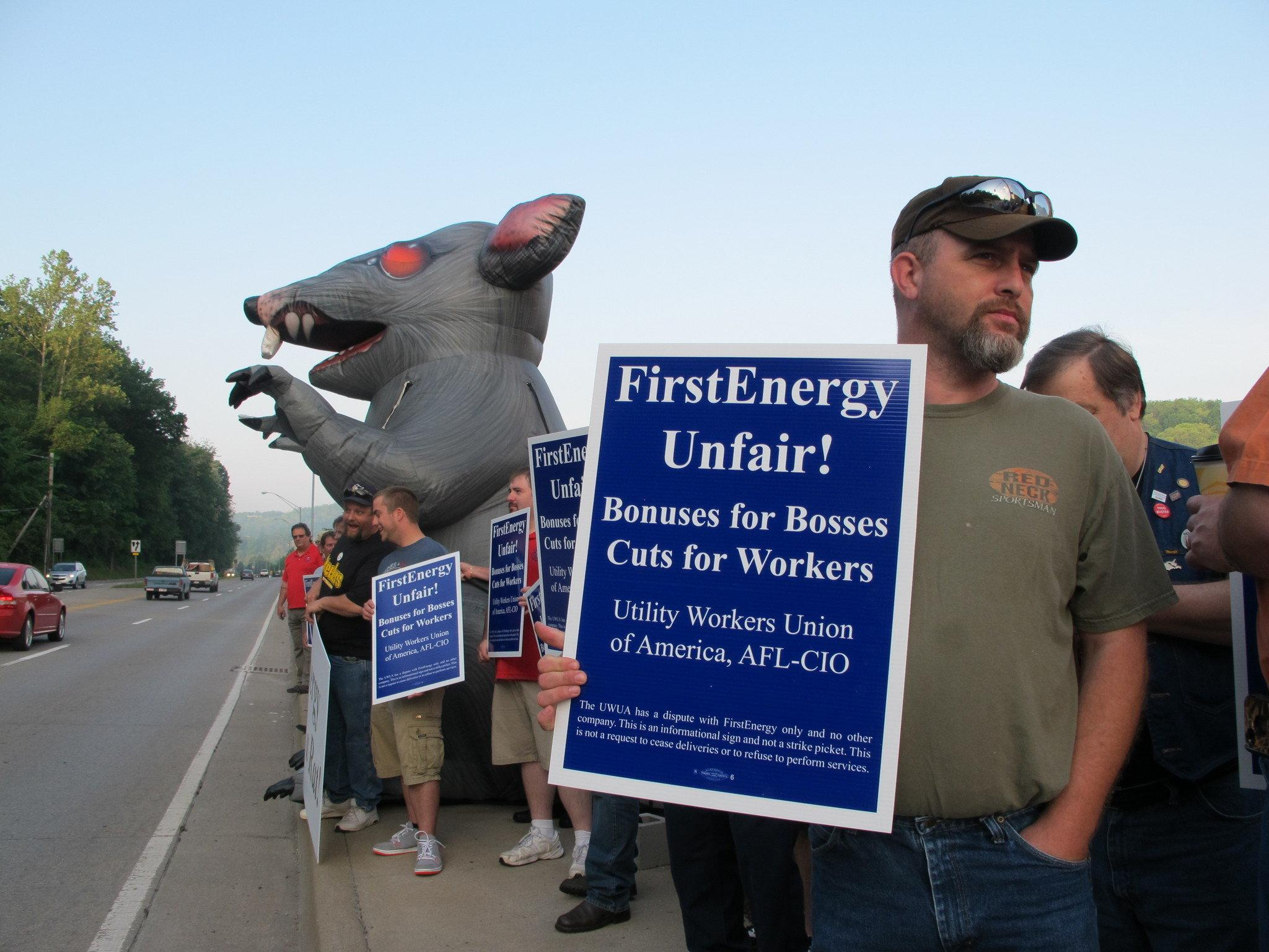 Solidarity Protest Brings Unions, Enviros, and Consumers Out Against Utility Company
