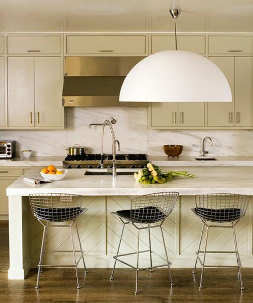 Modern White Kitchen With Island And Pendant Lights: Decorating Your Kitchen With Pendant Lights
