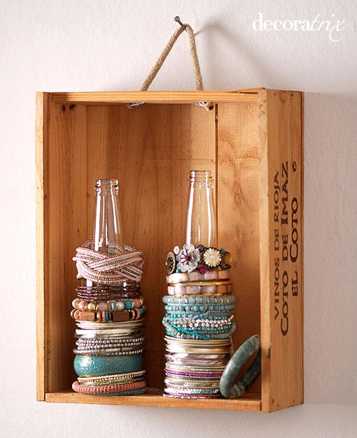 Creative ways to store your jewelry paperblog for Clever ways to store jewelry