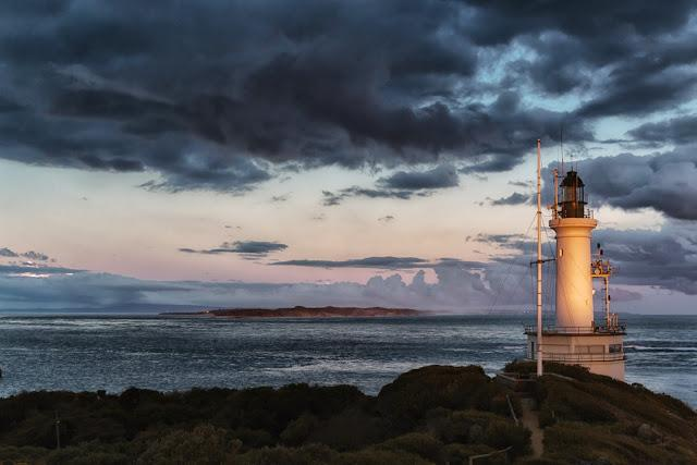 point lonsdale lighthouse during setting sun