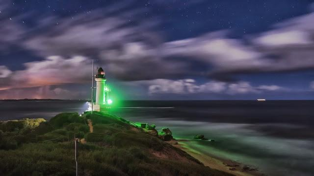 point lonsdale lighthouse illuminated after sun set
