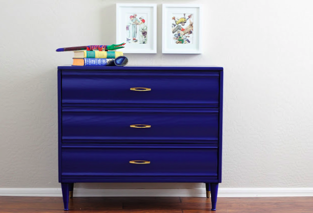 Renew old furniture with color paperblog for Reconditioned furniture