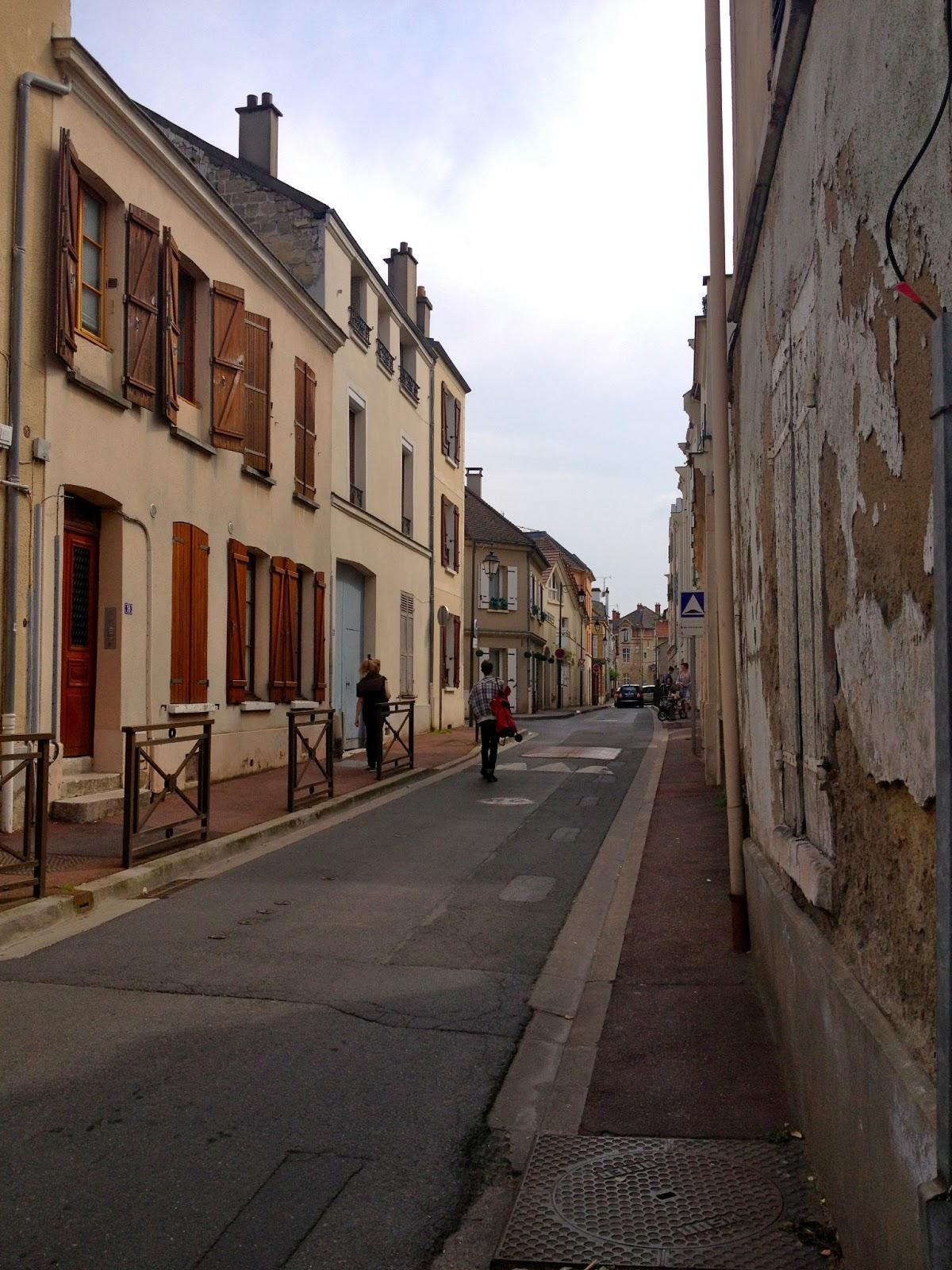 parisian day trip maisons laffitte paperblog. Black Bedroom Furniture Sets. Home Design Ideas