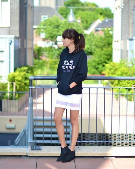 homies sweatshirt white skirt black acne boots