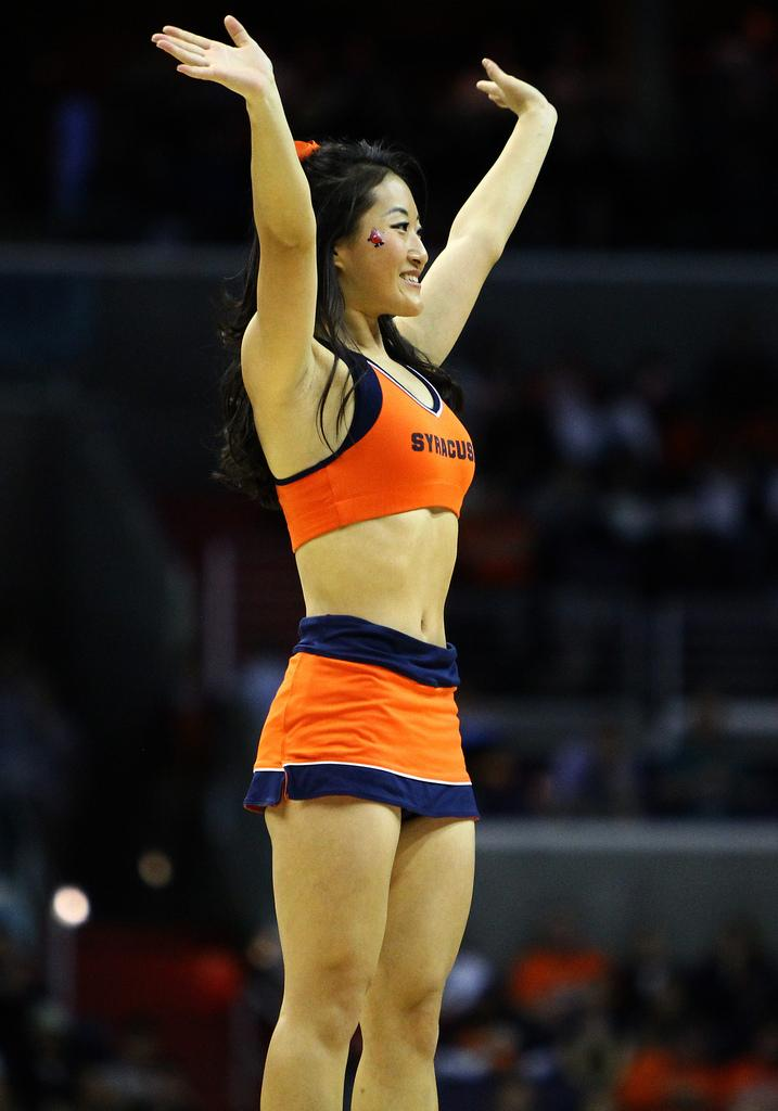 syracuse cheerleaders make orange sexy