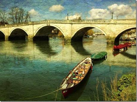 Reflections under the bridge © Veevs