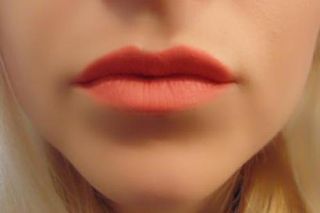 starlooks-lip-pencil-tipsy-closeup
