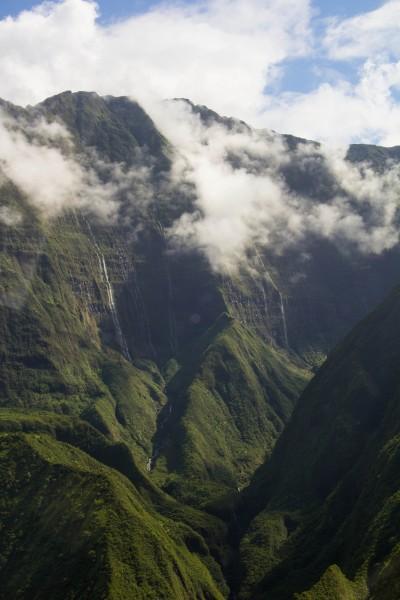 IMG 3004 400x600 Maui: Blue Hawaiian Helicopter Ride