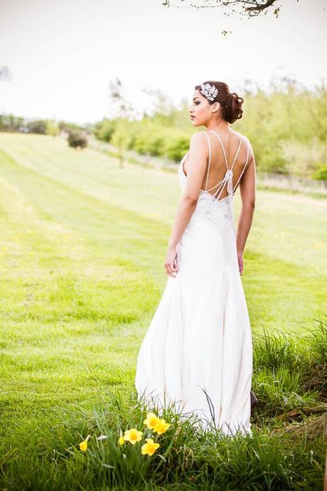 English country garden wedding blog with Lumiere Photography (20)