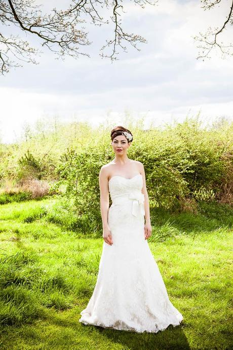 English country garden wedding blog with Lumiere Photography (21)