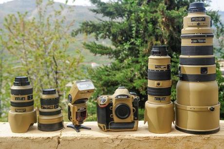 "Photographer Gives His Nikon Gear a DIY ""Desert Mirage Lizard"" Paint Job"