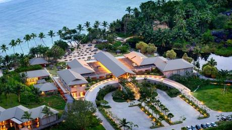 http://www.luxuryhomes.com/blog/wp-content/uploads/2013/02/Kempinski-Seychelles-Resort-on-8-1024x576.jpg
