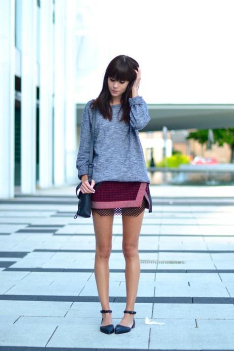 look boyfriend sweater short skirt flats