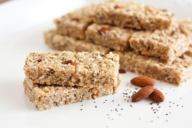 almond+poppy+seed+granola+bars 620x413 10 THINGS YOU NEED AT ANY OUTDOOR FESTIVAL