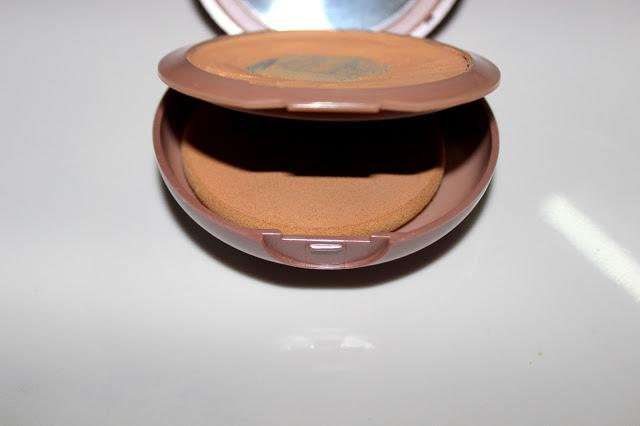 Review and Swatches | Lakme 9 to 5 Flawless Creme Compact (Marble, Pearl and Shell)
