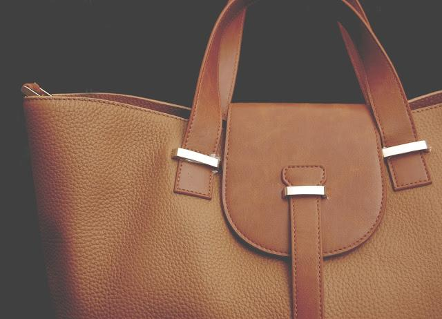 BabyBeau Ellie Tan Changing Bag Review