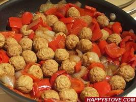 8 recipes for men easy and delicious meals for guys paperblog meatballspeppers forumfinder Choice Image
