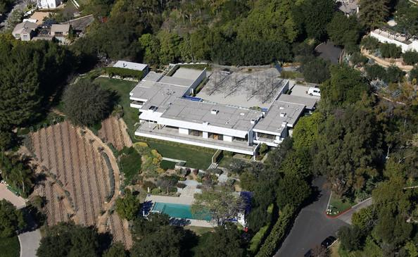 Jennifer Aniston's Bel Air Estate, originally owned by Maybelline Founder, Tom Lyle Williams, then Roman Polanski, followed by Fleetwood Mac's Lindsey Buckingham.