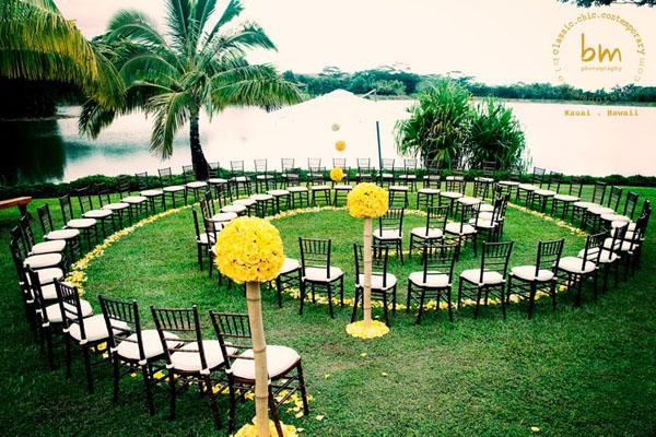 Creative seating for outdoor weddings paperblog creative seating for outdoor weddings junglespirit Image collections