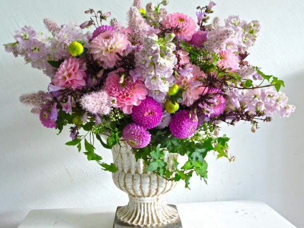 Dahlia centerpiece bouquet paper