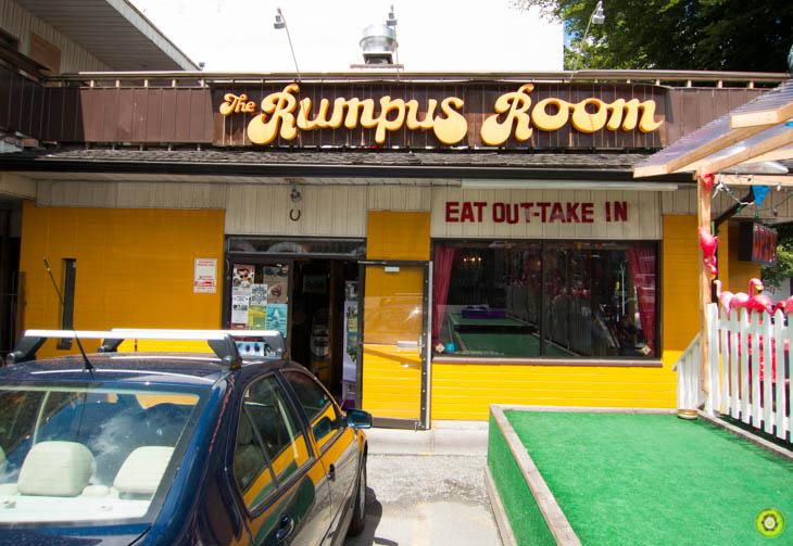 The Rumpus Room: Deep Fried Bacon & Waffle Burgers! - Paperblog
