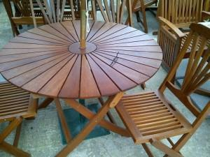 round hardwood furniture set