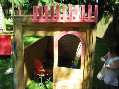 interior view castle yes spaces 700x525 DIY Playhouse: Princesses Can Build a Castle Too!