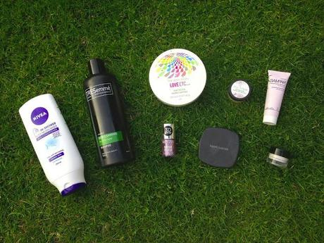 GUEST POST: SUMMER MUST HAVES