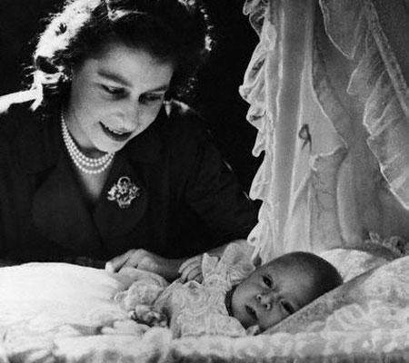 babyqueen 2556894a Welcoming the Royal Baby, His Royal Highness Prince TBD of Cambridge
