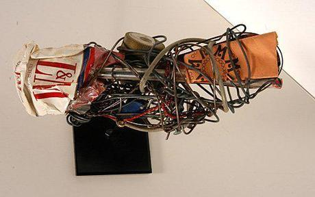 1200 wire sculptures found in a box - Philadelphia Wireman foundobjects