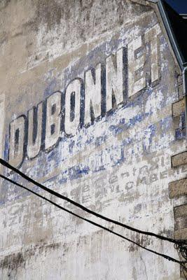Ghost signs (63): underneath the arches
